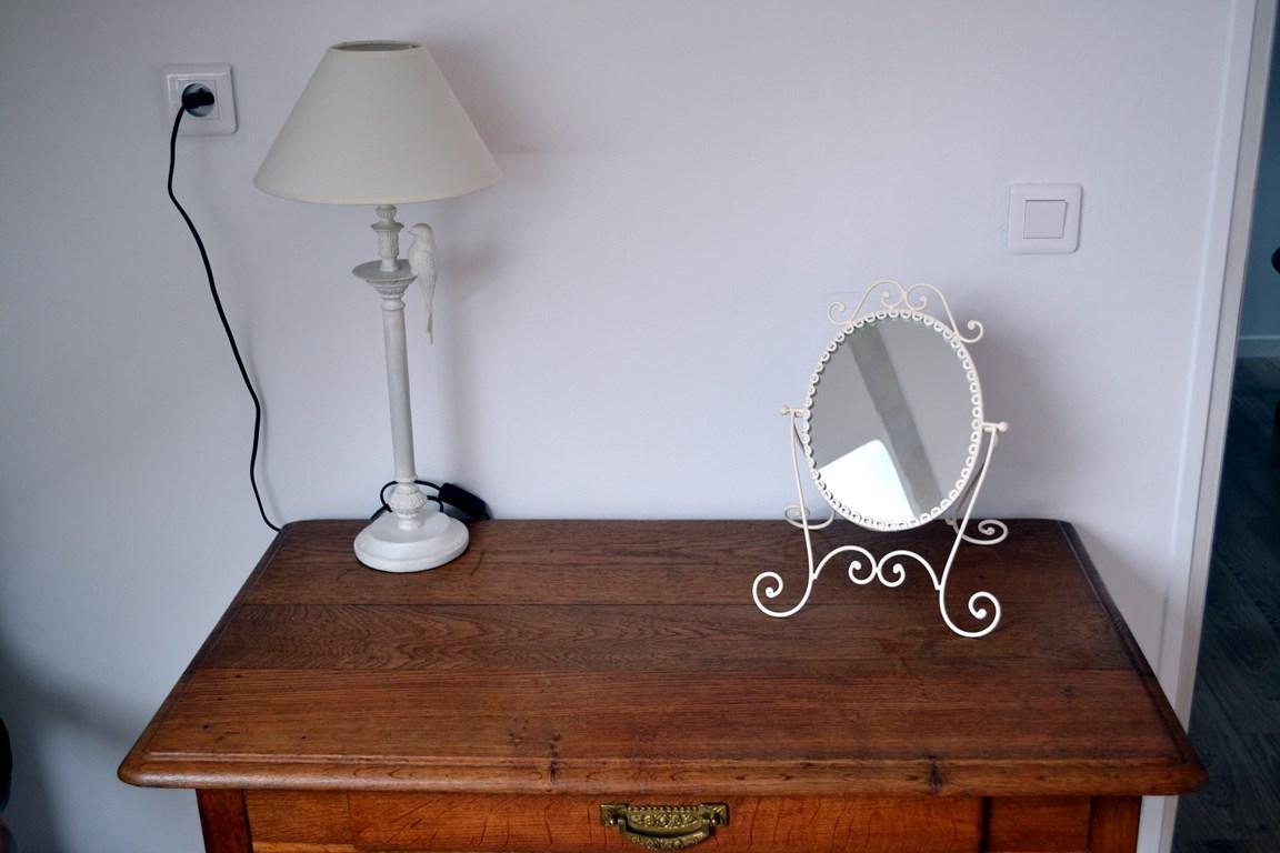 Ravissant petit bureau en chêne