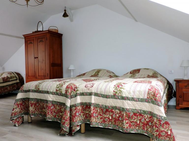 Magnifique boutis couvre-lit